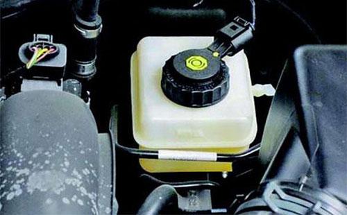 刹车油多久换一次